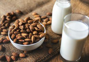 como hacer leche de almendras casera, Cómo Preparar Leche de Almendras Casera