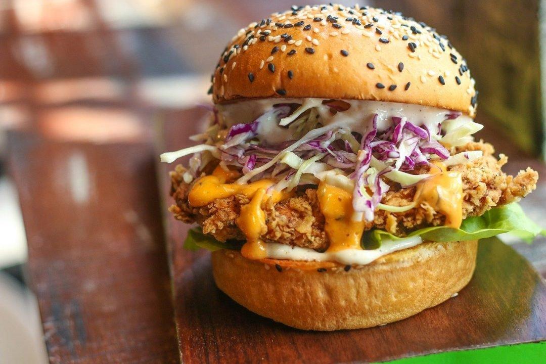 hamburguesa pollo, hamburguesa de pollo crujiente, hamburguesas de pollo, hamburguesas de pollo fitness, hamburguesas fitness, hamburguesa fitness, hamburguesa de pollo