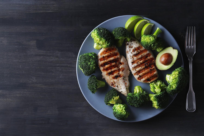 brocoli con pollo